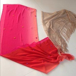 2 shawls / wraps